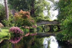 ninfa_garden gardenvisitcom